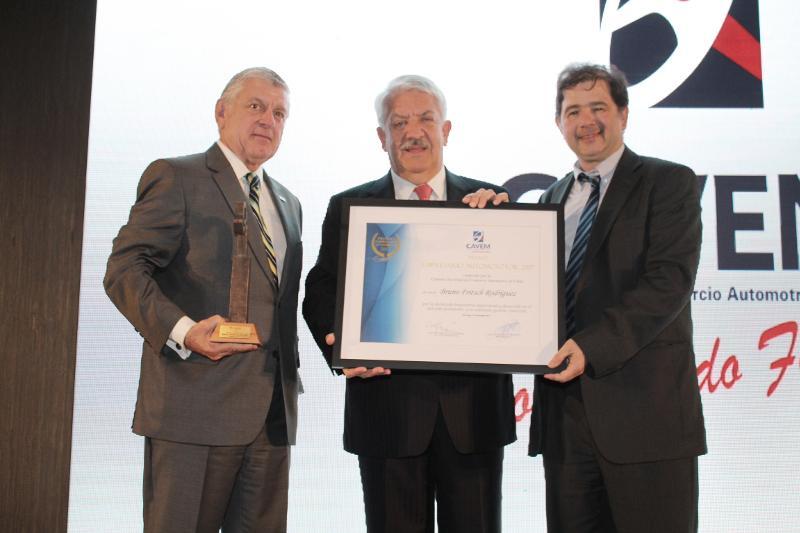CAVEM entregó el premio Empresario Automotor 2017 a Bruno Fritsch Rodriguez
