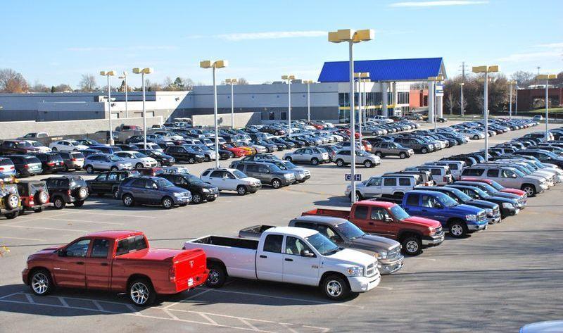 Ventas de autos usados disminuyeron casi 4% en el primer semestre de 2017