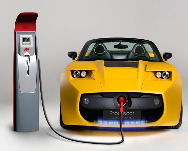 Europa necesita al menos diez nuevas fabricas de baterías para autos eléctricos