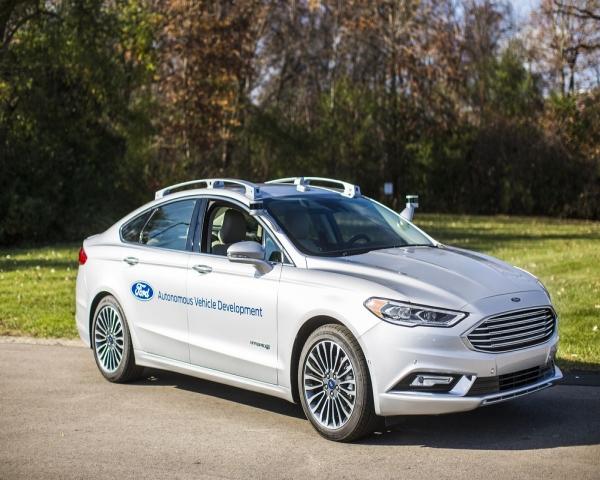 Ford crea empresa para desarrollar vehículos autónomos
