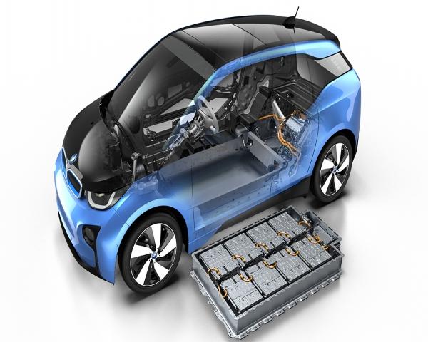 Daimler advierte contra el poder de productores asiaticos de bater�as