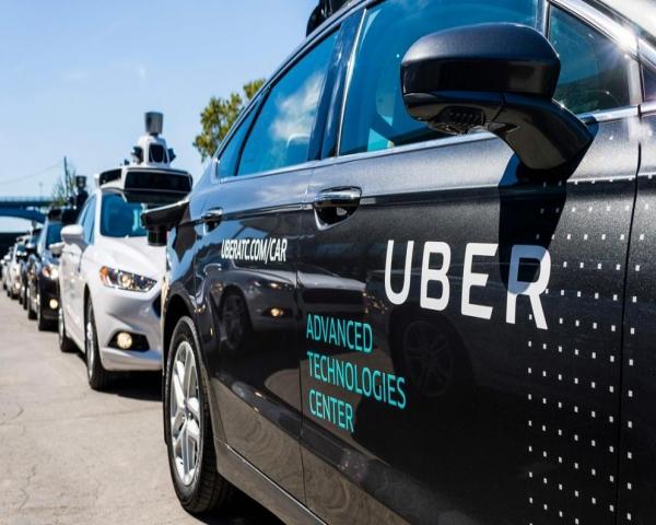 Toyota invertira 500 millones de dólares para desarrollar autos sin conductor con Uber