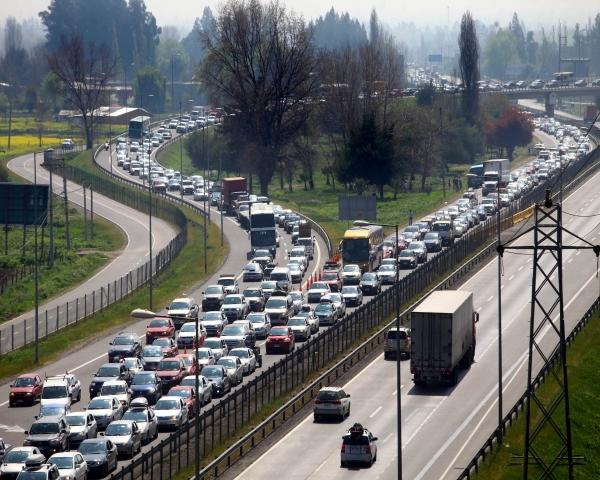 Estudio indica que internet es el principal canal de información para comprar autos
