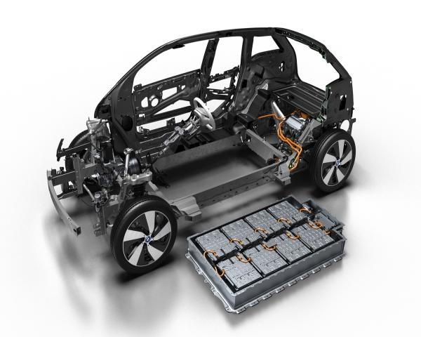 BASF apuesta a reducir níquel en baterías de automóviles eléctricos para bajar costos