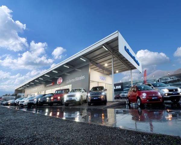 Guillermo Morales inaugura locales para venta de marcas de Grupo Fiat-Chrysler