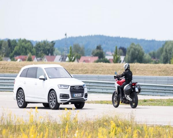 Audi, Ducati y Ford se unieron para crear un sistema de comunicación que evita accidentes