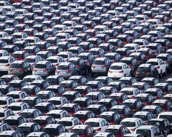 Margen de ganancias de automotrices cae a nivel más bajo desde 2009