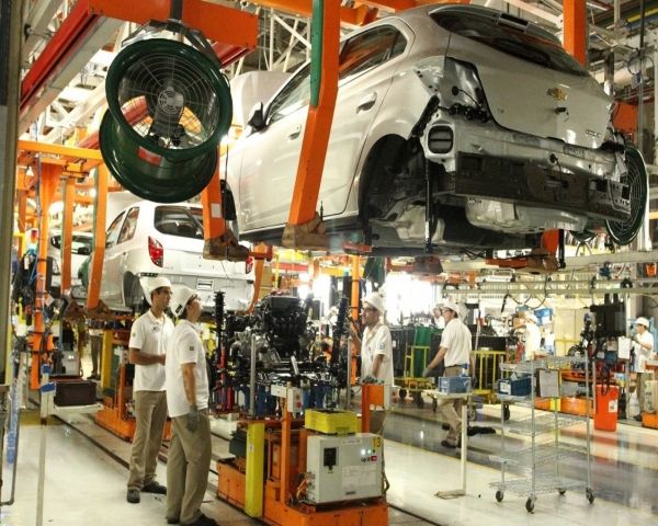 La producción de vehículos en Brasil sigue en rojo pese a subida de abril
