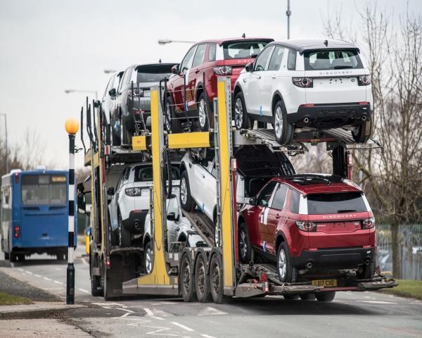 La econom�a brit�nica se contrae por cierre de plantas de autom�viles