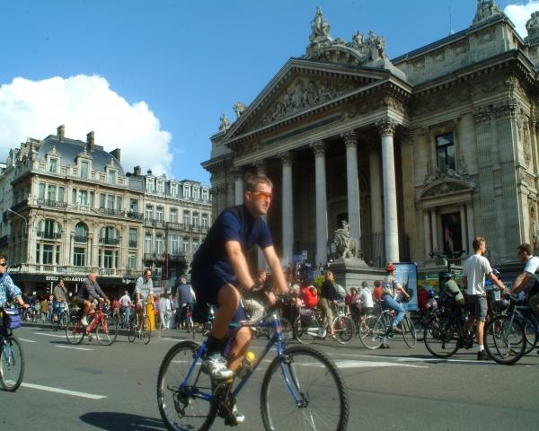 En la capital de la UE, el límite de 30 km/h genera controversia