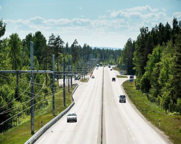 Primera carretera inal�mbrica para autom�viles el�ctricos del mundo