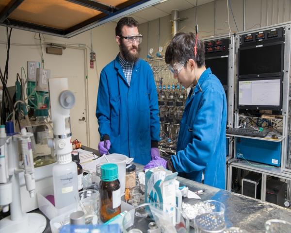 IBM desarrolla batería sin cobalto para vehículos eléctricos y con materiales provenientes del agua de mar