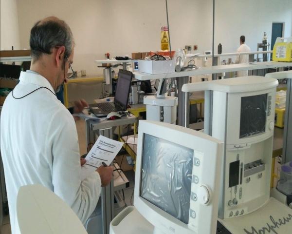 La industria del autom�vil cambia su producci�n para fabricar equipamiento m�dico
