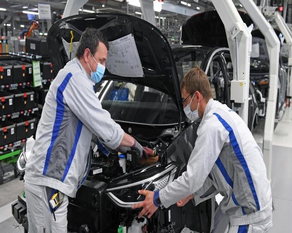 El Coronavirus disminuirá las ventas mundiales de autos al menos un 17%