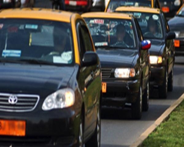 Parque Vehicular de Taxis básicos, ejecutivos, de turismo y colectivos es congelado hasta el año 2025