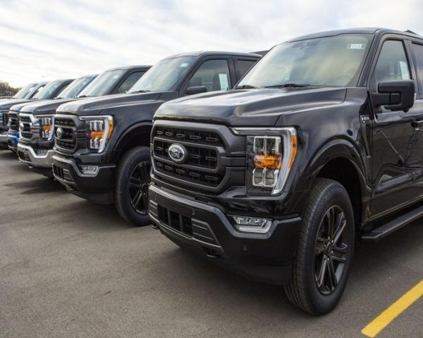Ford planea aliviar el exceso de vehículos sin terminar: ponerlos en manos de los concesionarios